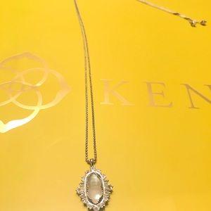 Kendra Scott Jewelry - 🌟BRAND NEW🌟Kendra Scott Key Pendant necklace